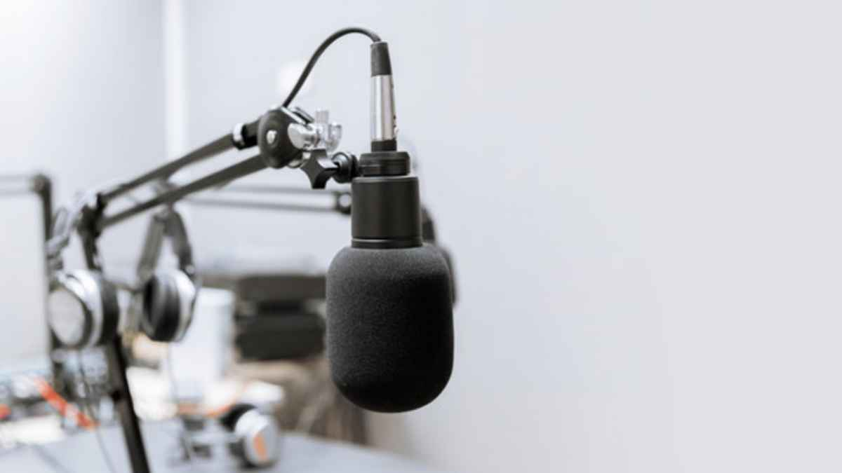 4 Ways to Monetize a Podcast